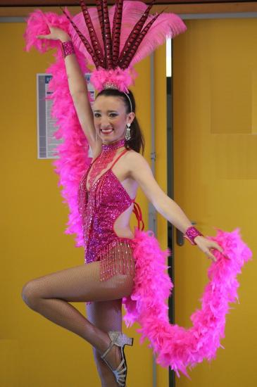 Danse cabaret plume